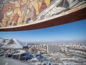 Une fresque illustre le thème de l'amitié entre les peuples soviétique et mongol